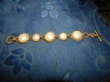 MARKS & SPENCER BOLD CHUNKY GOLD TONE ROPE CHAIN BRACELET FOB FASTEN FAUX PEARLS